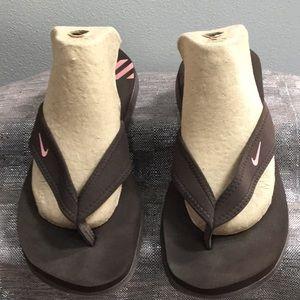 Nike woman's size 10 flip flop sandal